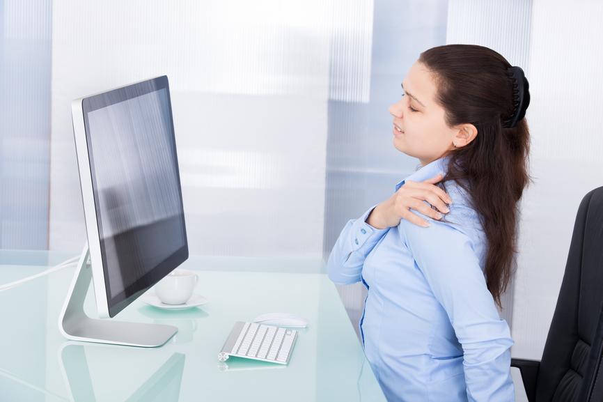 Conheça os principais erros de postura corporal cometidos no trabalho