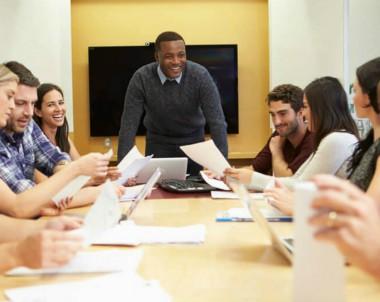 Veja 4 dicas de como engajar e motivar funcionários
